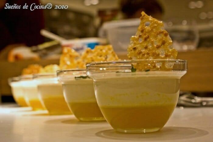 Natillas de turrón sobre gelatina de naranja a la miel y teja de almendra