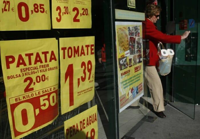 El 20% de los supermercados españoles no refleja el precio reducido de las ofertas al pasar los productos por la caja