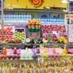 La fruta troceada es un souvenir turístico no muy bien visto por los más puristas