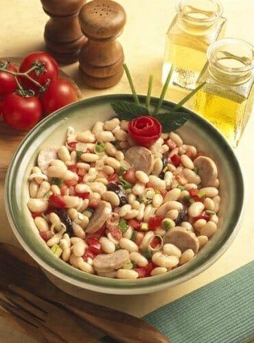Receta de ensalada de jud as blancas y butifarra recetas for Cocinar judias negras
