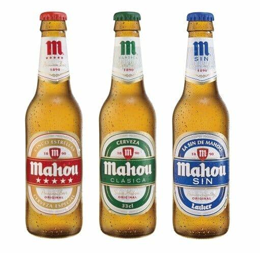 Detalle de la nueva imagen de las botellas de Mahou
