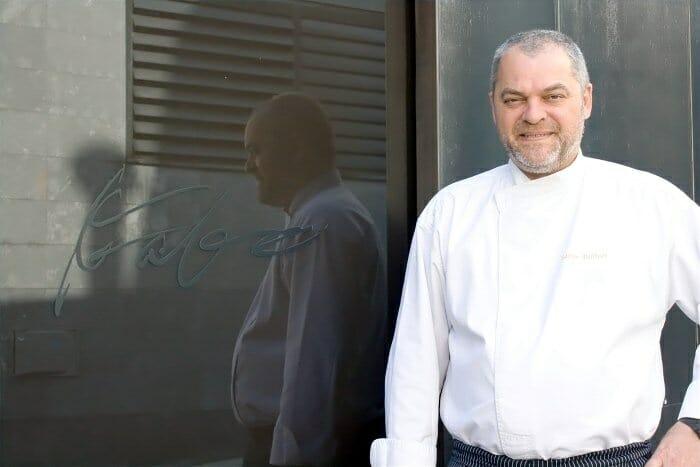 Xavier Pellicer, en la puerta de Can Fabes