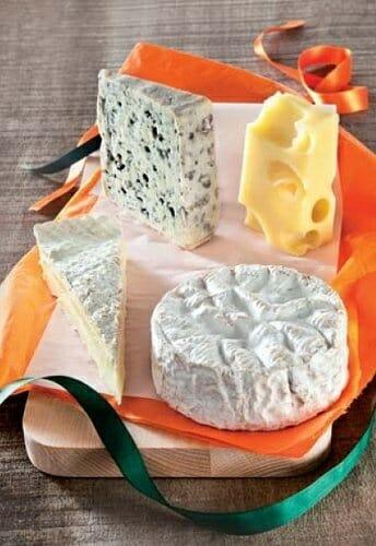 Surtido de quesos franceses, cualquiera de los cuales es un ingrediente válido para las recetas del concurso