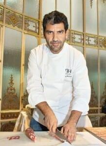 Paco Roncero preparó en vivo algunos platos para los asistentes