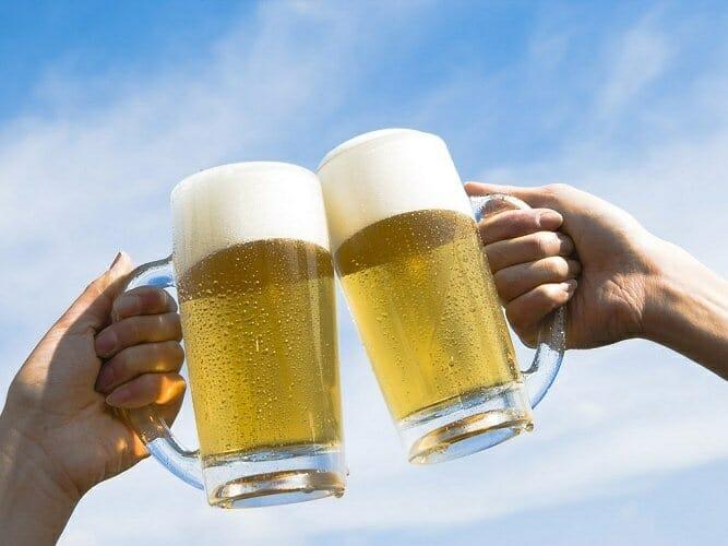 Se ha abierto un debate tras el anuncio del Ministerio para reducir el consumo de cerveza entre los menores