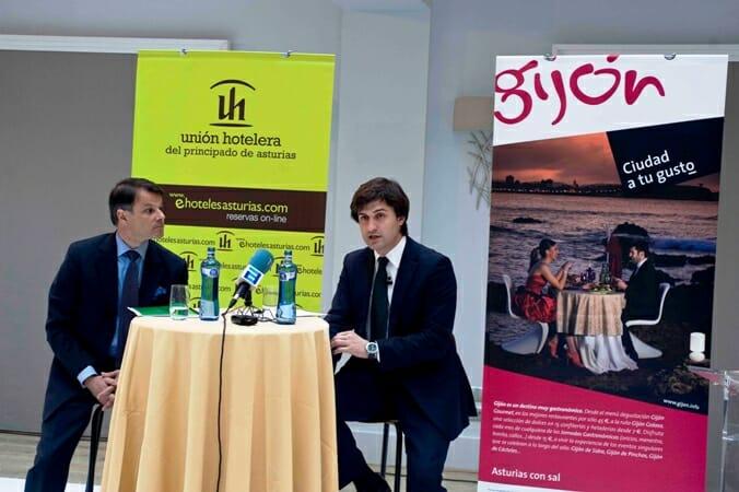 Javier Álvarez Presidente de la Unión Hotelera del Principado de Asturias y José Maria Pérez Concejal de turismo de Gijón