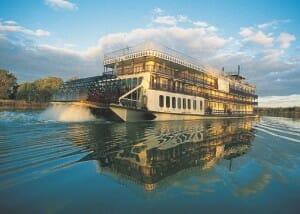 El barco de vapor es una opción olvidada, que poco a poco está volviendo a ganar adeptos, sobre todo por la tranquilidad y belleza de los paisajes que surca