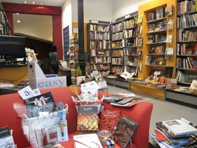 Vista general de la librería A Punto