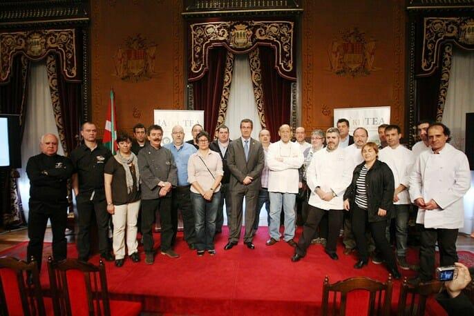 FOTO: (GORKA ESTRADA). Presentación en la Diputación Provincial de Guipúzcoa.