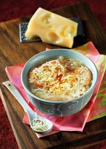 Sopa de Cebolla con Emmental