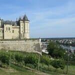 Castillo de Saumur sobre la ciudad y el río