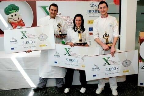 Foto de familia de los tres ganadores