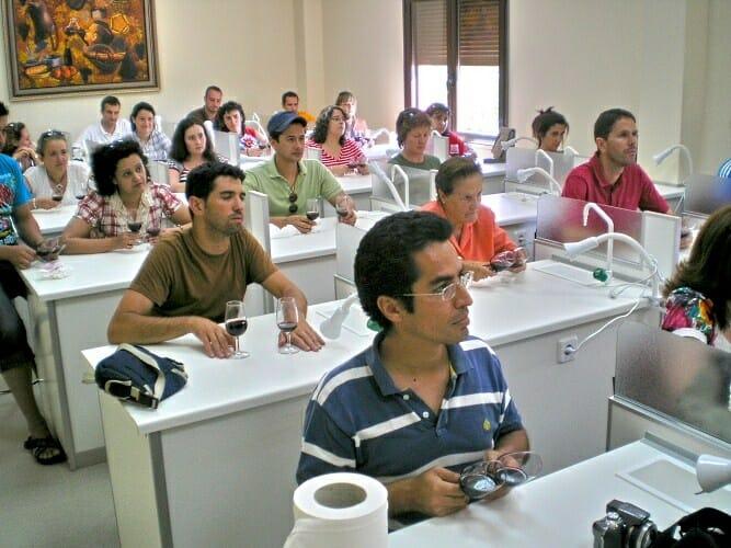 Los alumnos aumentan su cualificación profesional y acceden a una bolsa de trabajo muy solicitada