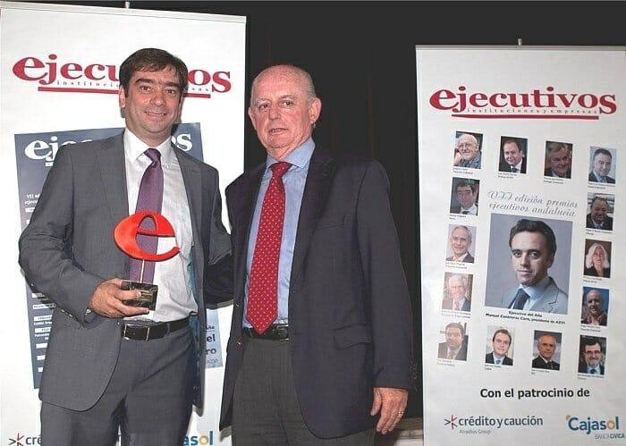 Manuel Helguera, Director de Marketing de Cervezas Alhambra, recoje el premio