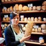 En las panaderías artesanas podemos encontrar panes de cereales, pasas, frutos secos...