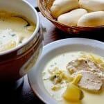 El Waterzooi es un guiso en salsa de crema de leche con pescado o pollo
