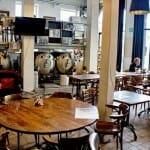 Stadsbrowerij Gruut es un restaurante que cuenta además con una fábrica de cerveza vista marca Gruut