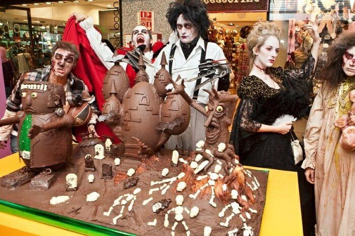 El chocolate y los zombies han tomado el Centro Comercial Moda Shopping...