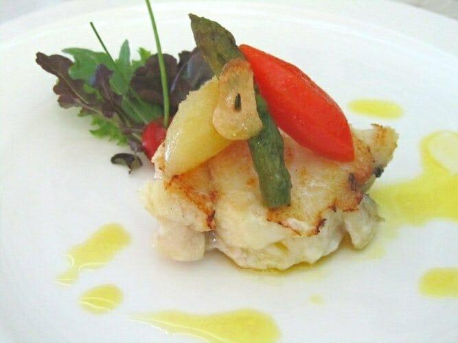 Plato de pescado. Restaurante Dos Hermanas