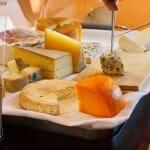 El carro de quesos ofrece especialidades tanto nacionales como de otros países