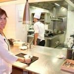 Luisa Barrachina, esposa de Francis Paniego, dirige una sala donde el servicio es eficaz y rápido