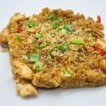 Wok de verduras con pollo, gambas y aceite de curry