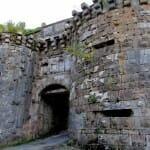 Puerta de la muralla. Vézelay