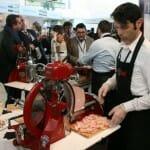 Las cortadoras clásicas en acción en el stand de Negrini