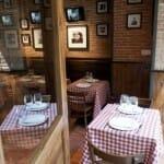 Detalle de las mesas de Brucculino