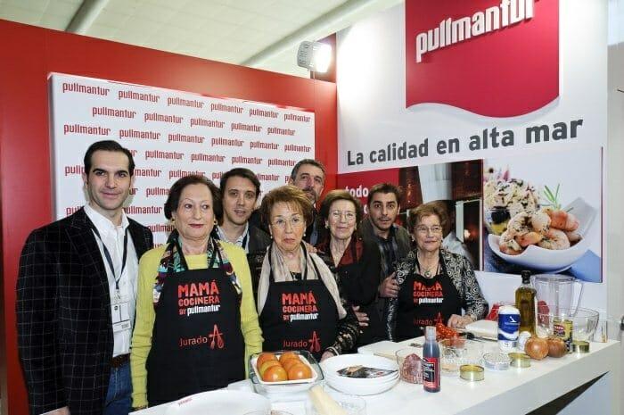 Mario Sandoval, Francis Paniego, Pepe Solla y Jordi Roca junto a sus madres
