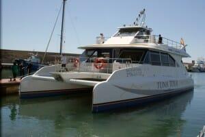 Catamarán de Tuna Tour