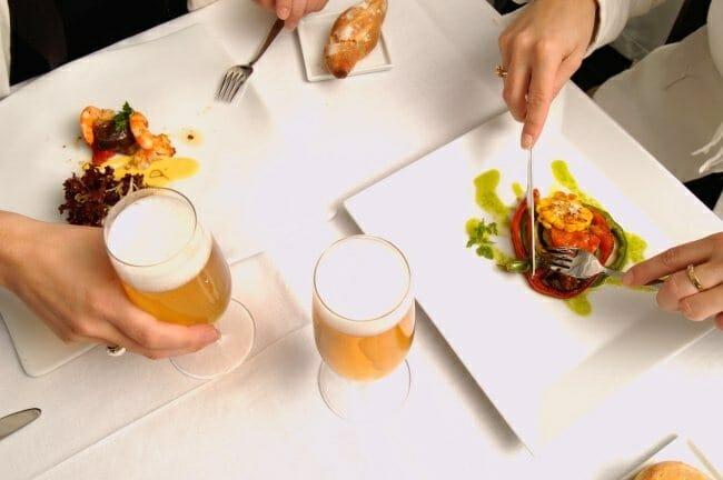 ¿Por qué no comes el domingo con cerveza? Desde el aperitivo a la copa de sobremesa