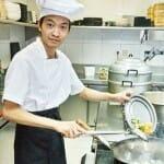 Avas Zhihua He, chef de Bam-bou, en su cocina