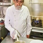 Juan Loriente, en la cocina de Lago de Sanabria