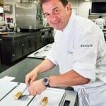 Martín Berasategui, en la cocina de su restaurante en Lasarte