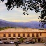 Vista panorámica de la parte trasera del Hotel Villa Xarahiz
