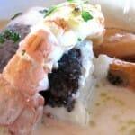 Merluza con cigala y mejillones, Restaurante A Estación