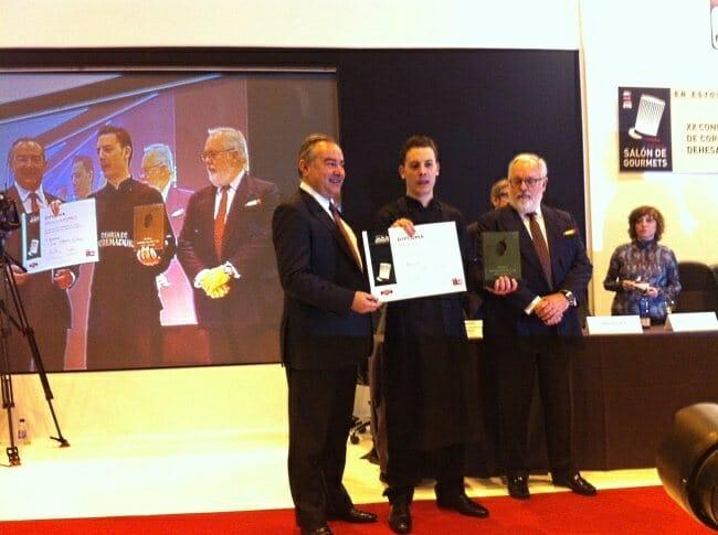 Óscar Álvarez Alfonso recoge su premio
