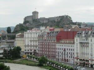 El castillo domina la ciudad