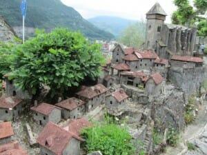 Maqueta de pueblo. Castillo de Lourdes