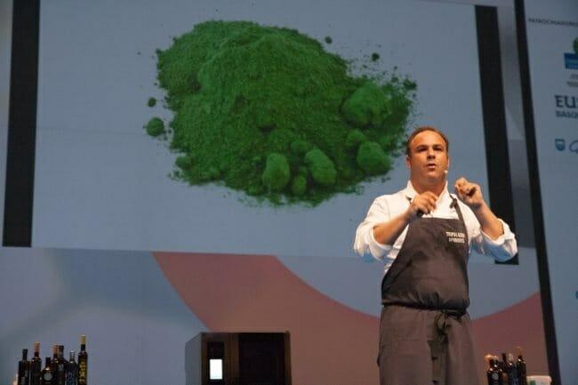 Ángel León presentando su azúcar del mar