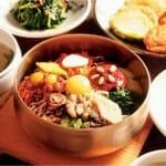 Bibimbap, arroz mezclado con verduras y carne
