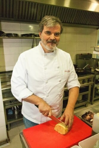 Pedro Muñagorri, en la cocina de su restaurante