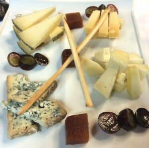 Tabla de quesos palentinos con membrillo fresco