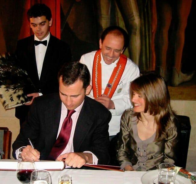 Los futuros reyes de España en el restaurante José María de Segovia