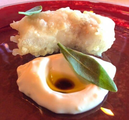 Cococha de rape en tempura, con pil pil de lima limón