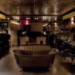 En Bathtub Gin, la bañera y la ginebra son las protagonistas
