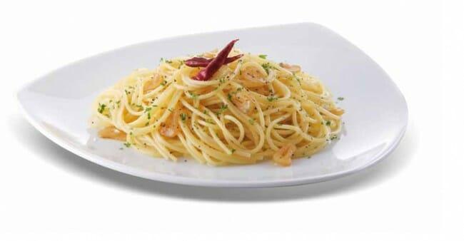 Espaguetis al ajo y guindilla