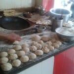 En el horno tandoor se elaboran las famosas carnes Tandoori