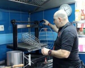 J.M. Benayas imparte clases de cocina con brasas